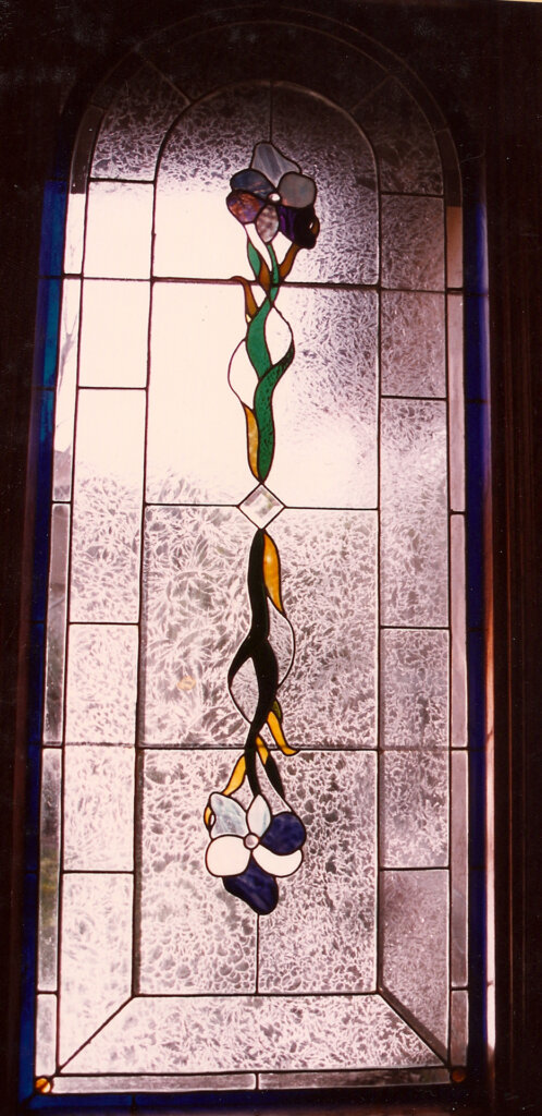 stained glass windows gluecchip entry california